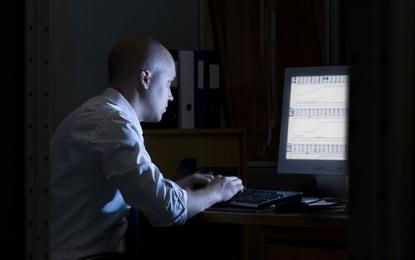 Pourquoi travailler tard peut nuire à votre cerveau